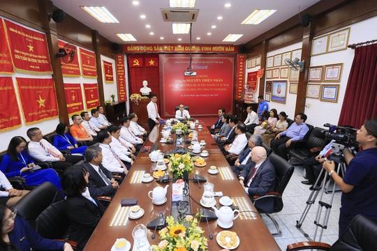 Bí thư Nguyễn Thiện Nhân thăm và chúc Tết Công ty Du lịch Vietravel - Ảnh 2.