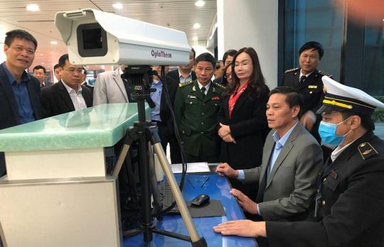 Chuyến bay Vietjet từ TP HCM đi Hải Phòng có 3 hành khách bị sốt - Ảnh 1.