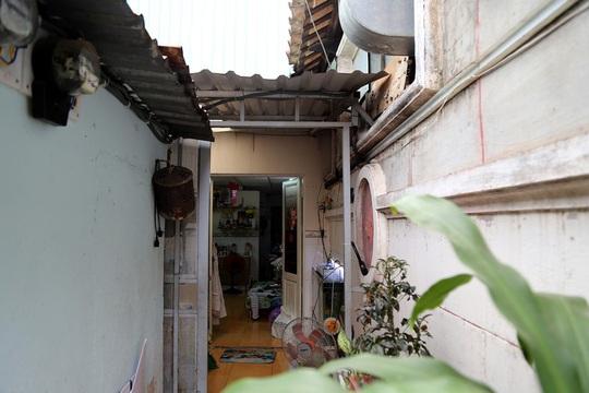Di tích nhà cổ Vương Hồng Sển thoi thóp giữa TP HCM - Ảnh 15.
