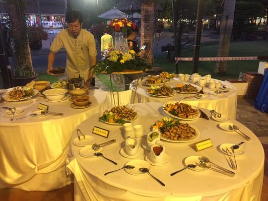 Ngỡ ngàng với bữa tiệc 40 món ăn từ cá tra - Ảnh 8.