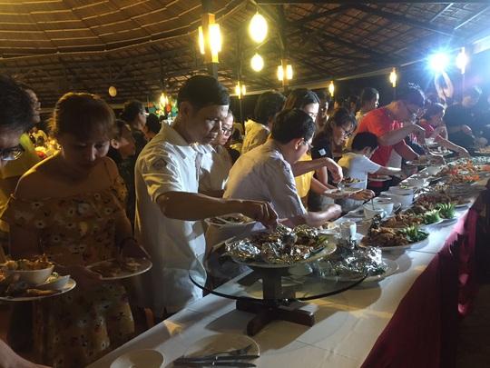 Ngỡ ngàng với bữa tiệc 40 món ăn từ cá tra - Ảnh 12.