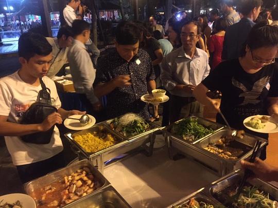 Ngỡ ngàng với bữa tiệc 40 món ăn từ cá tra - Ảnh 13.