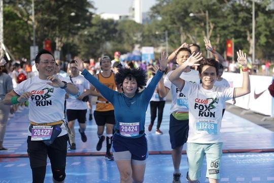 Phạm Thị Hồng Lệ vô địch marathon TP HCM 2020 - Ảnh 4.