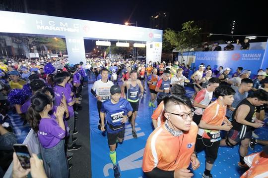 Phạm Thị Hồng Lệ vô địch marathon TP HCM 2020 - Ảnh 2.