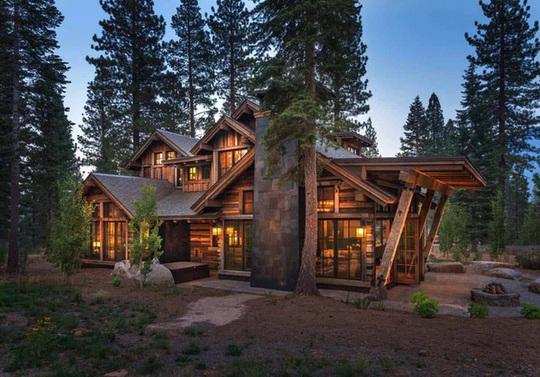 Ngôi nhà gỗ trên núi tuyệt đẹp, ai nhìn cũng mê - Ảnh 2.