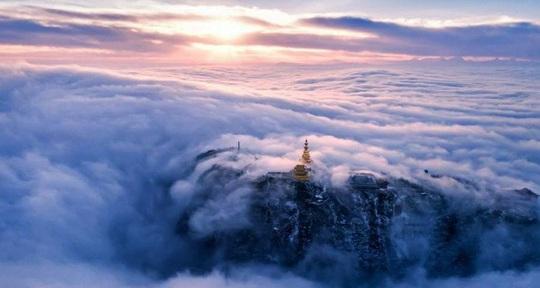 Tiên cảnh đậm chất kiếm hiệp trên núi Nga Mi mùa đông - Ảnh 2.