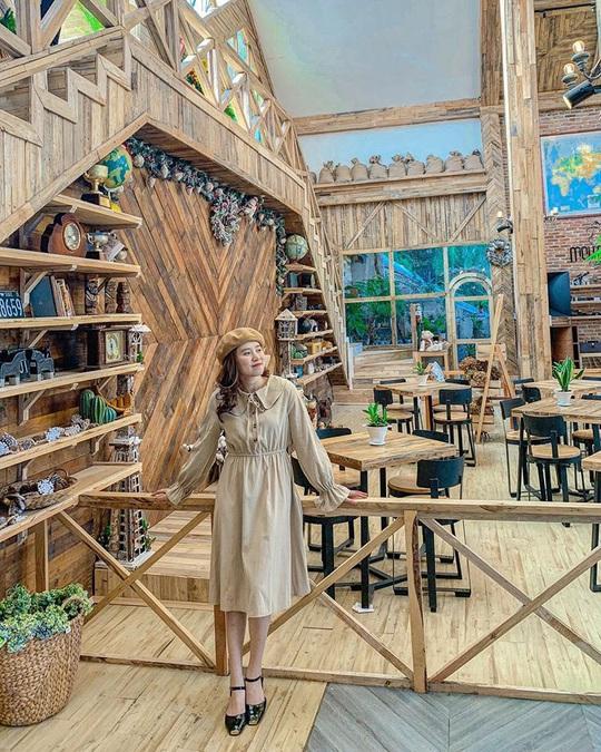 Du khách mê mẩn với quán cà phê phong cách Bắc Âu mới xuất hiện ở Đà Lạt - Ảnh 11.