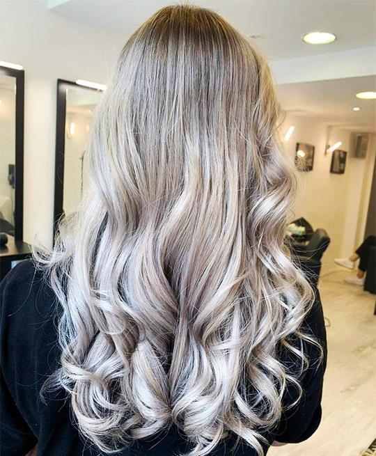 Xanh da trời và những màu tóc nhuộm hot nhất dịp Tết này - Ảnh 2.