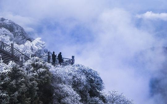 Tiên cảnh đậm chất kiếm hiệp trên núi Nga Mi mùa đông - Ảnh 7.
