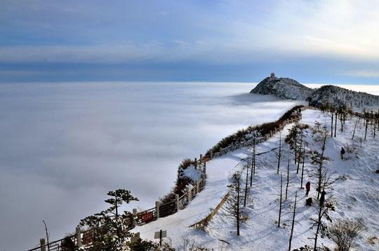 Tiên cảnh đậm chất kiếm hiệp trên núi Nga Mi mùa đông - Ảnh 8.