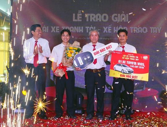 Một tài xế Vinasun trúng giải đặc biệt là chiếc Toyota Vios 1.5G CVT 2019 - Ảnh 1.