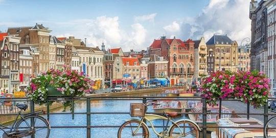 Du lịch Hà Lan được 'tặng bạn đời' - Ảnh 2.