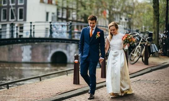Du lịch Hà Lan được 'tặng bạn đời' - Ảnh 1.
