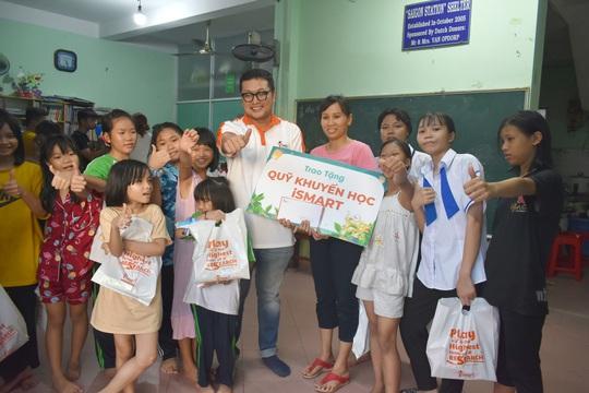 iSMART Education mang Tết Trung thu đến với 150 trẻ cơ nhỡ - Ảnh 1.