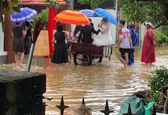 CIP: Xóm làng xứ Quảng giải cứu 55 mâm cỗ cưới bị ế do mưa lũ - Ảnh 2.