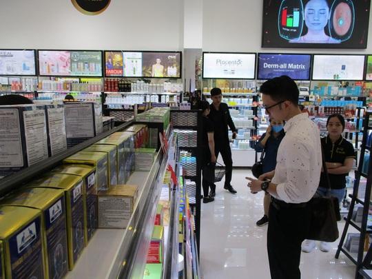 Đại gia bất động sản mở chuỗi mỹ phẩm lớn nhất Việt Nam - Ảnh 2.