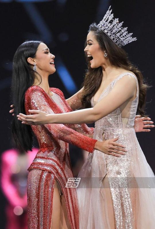 Cận cảnh cô gái lai đăng quang Hoa hậu Hoàn vũ Thái Lan - Ảnh 2.