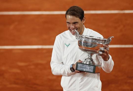 Vô địch Roland Garros 2020, Nadal san bằng kỷ lục Grand Slam của Federer - Ảnh 9.