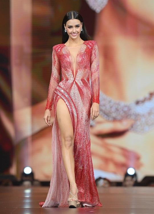 Cận cảnh cô gái lai đăng quang Hoa hậu Hoàn vũ Thái Lan - Ảnh 7.