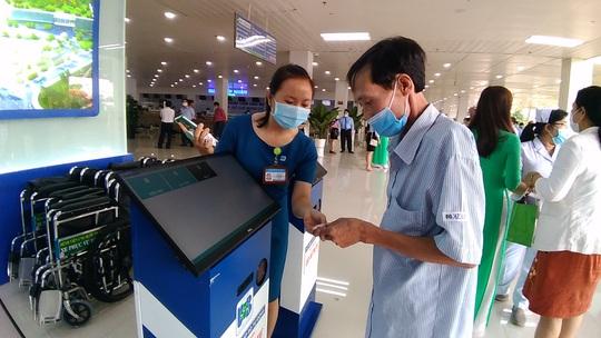 Bệnh viện ngàn tỉ tại TP HCM chính thức đi vào hoạt động - Ảnh 2.
