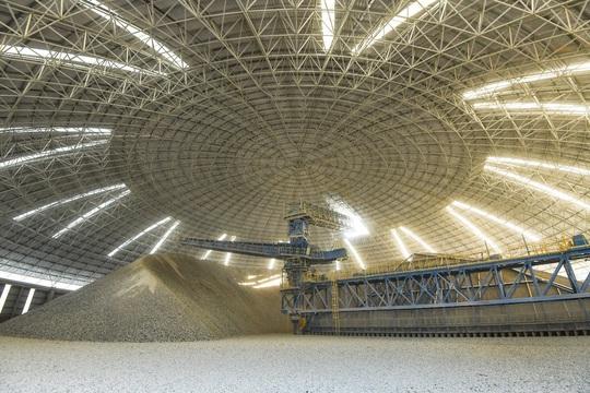 Khám phá công nghệ sản xuất xanh, hiện đại của xi măng Tân Thắng - Ảnh 2.