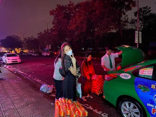 Thủy Tiên kêu gọi hơn 8 tỉ đồng hỗ trợ người dân miền Trung khắc phục hậu quả bão lũ - Ảnh 2.