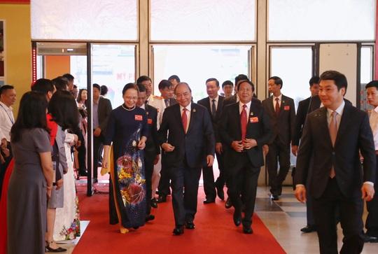 Thủ tướng Nguyễn Xuân Phúc dự, chỉ đạo Đại hội Đảng bộ TP Hải Phòng - Ảnh 1.