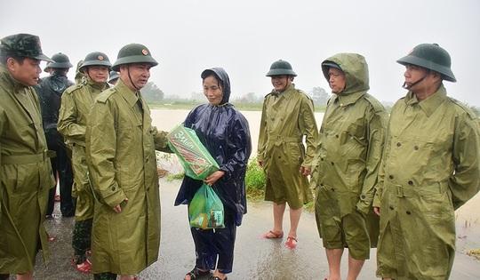 Cấp bằng Tổ quốc ghi công cho 13 liệt sĩ hy sinh tại Rào Trăng 3 - Ảnh 1.