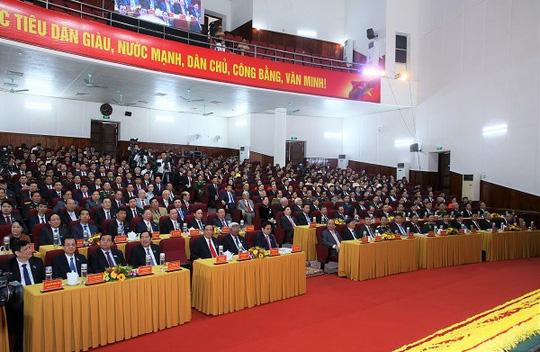 Khai mạc Đại hội Đảng bộ tỉnh Hà Tĩnh lần thứ XIX - Ảnh 2.