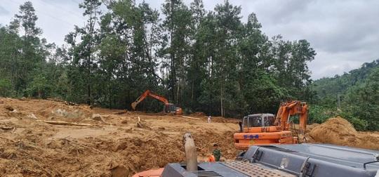 Tìm thấy thi thể Thiếu tướng Nguyễn Văn Man và 12 người khác gặp nạn ở tiểu khu 67 - Ảnh 7.