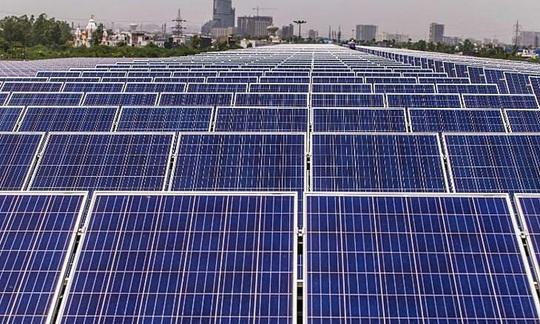 IEA: Điện mặt trời sẽ là vua mới trên thị trường - Ảnh 1.