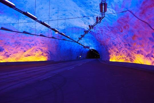 8 đường hầm độc đáo trên thế giới - Ảnh 3.
