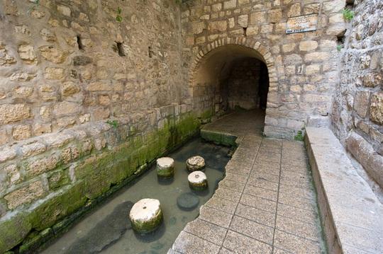 8 đường hầm độc đáo trên thế giới - Ảnh 8.
