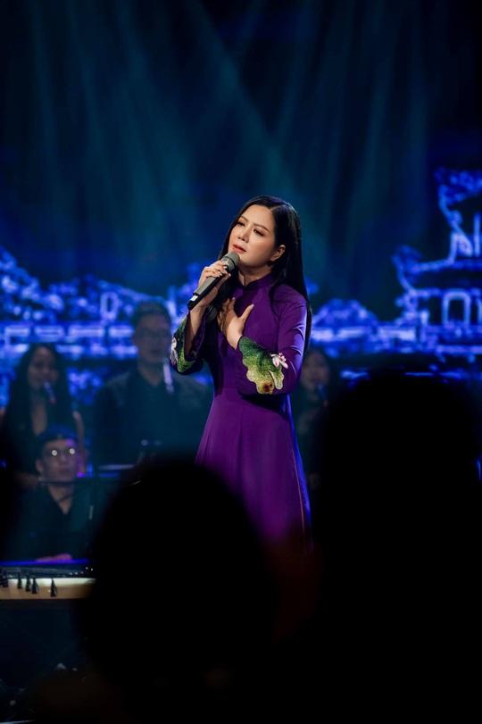 Đinh Hiền Anh tổ chức đêm nhạc quyên góp cho người dân vùng lũ miền Trung - Ảnh 2.