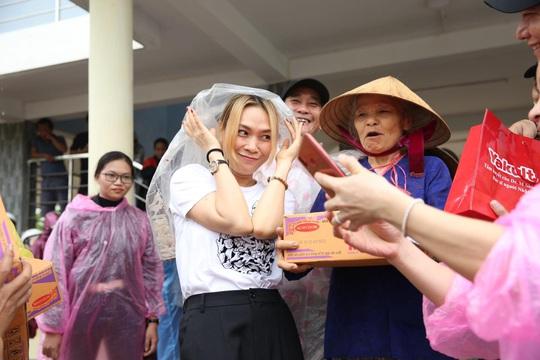 Thủy Tiên bênh vực Trấn Thành, Trường Giang vụ từ thiện - Ảnh 7.