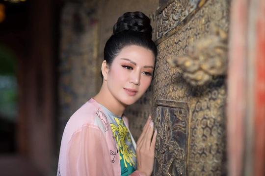 Đinh Hiền Anh tổ chức đêm nhạc quyên góp cho người dân vùng lũ miền Trung - Ảnh 3.