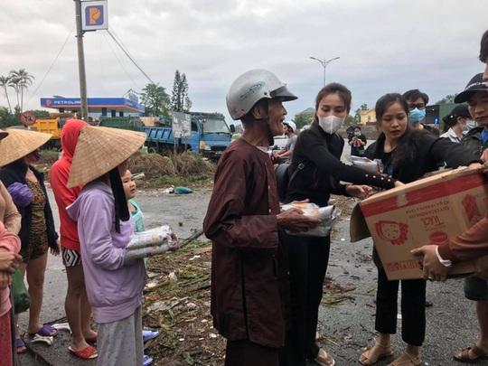Thủy Tiên bênh vực Trấn Thành, Trường Giang vụ từ thiện - Ảnh 1.