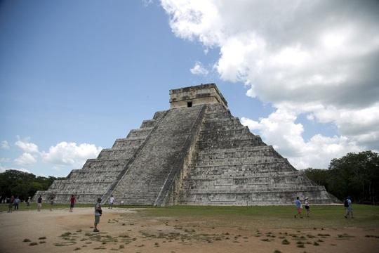 Xây đường tàu, lộ diện 2.200 bóng ma Maya ngàn năm - Ảnh 1.