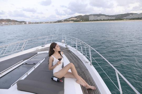 Bắt trend check in du thuyền sang chảnh giữa thiên đường biển Quy Nhơn, bạn đã thử? - Ảnh 2.