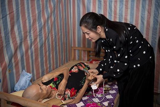 Đinh Hiền Anh tổ chức đêm nhạc quyên góp cho người dân vùng lũ miền Trung - Ảnh 4.