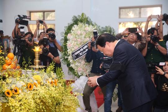 Xúc động Lễ tang 13 liệt sĩ hy sinh tại Rào Trăng 3 - Ảnh 14.