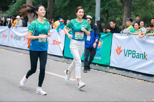 Hoa hậu Mai Phương Thúy, Lương Thùy Linh, Đỗ Mỹ Linh tiết lộ bí quyết giữ gìn sức khoẻ - Ảnh 4.