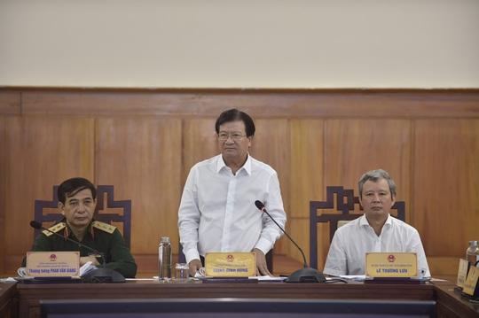 Trung tướng Nguyễn Doãn Anh thông tin có 22 chiến sĩ Sư đoàn 337 ở Quảng Trị mất tích vụ sạt núi - Ảnh 1.