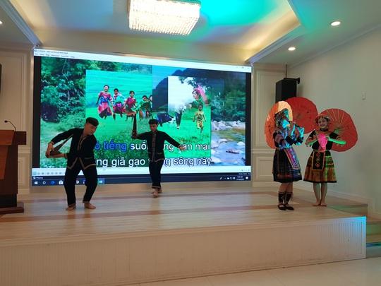 Sôi nổi các hoạt động kỷ niệm ngày Phụ nữ Việt Nam - Ảnh 5.