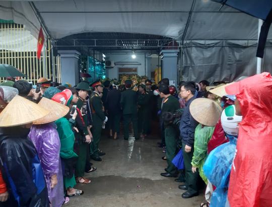 Xúc động lễ tang liệt sĩ, Thiếu tướng Nguyễn Hữu Hùng tại quê nhà - Ảnh 27.