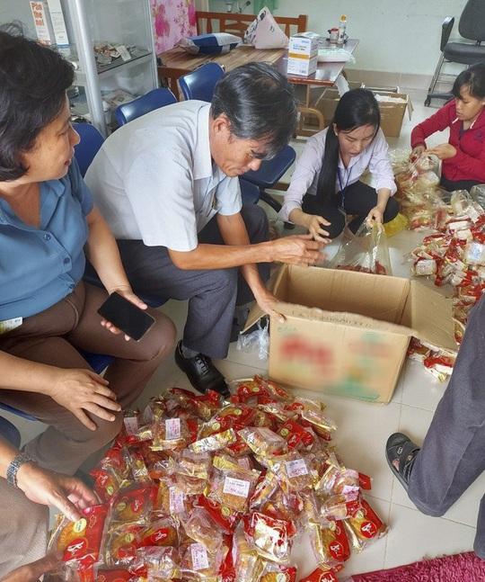 Điều tra nguyên nhân 68 học sinh nghi ngộ độc sau khi ăn bánh trung thu - Ảnh 2.