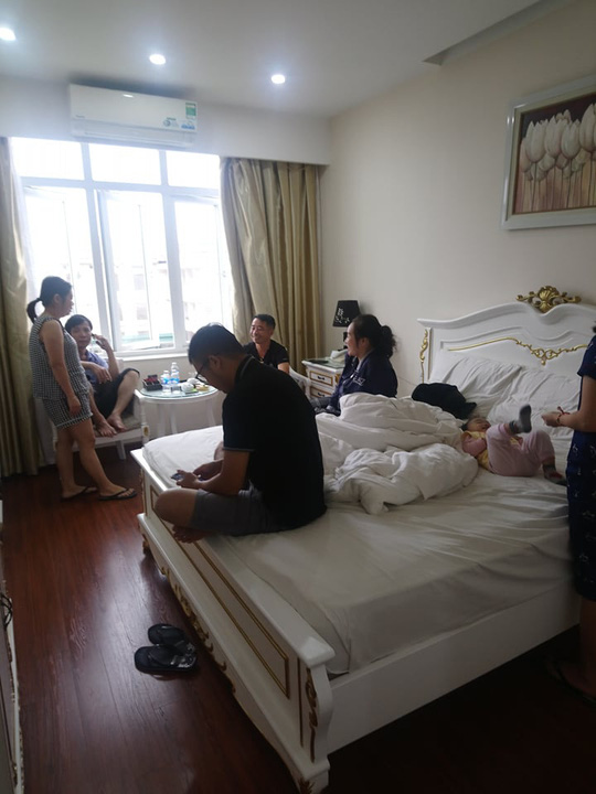 Chạy lũ, hàng trăm người dân được ăn, ở miễn phí tại khách sạn - Ảnh 4.