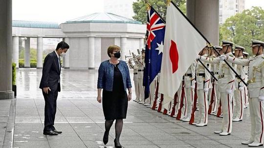 Nhật Bản, Úc cảnh báo về biển Đông - Ảnh 1.
