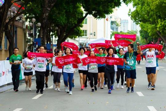 Dấu ấn AIA Việt Nam trên đường chạyVPBank Hanoi Marathon Asean 2020 - Ảnh 2.