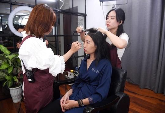 """Màn trang điểm """"lột xác"""" của các nữ đối tác tài xế Gojek trong ngày 20-10 - Ảnh 4."""